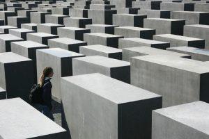 הסיור הקלאסי-אנדרטת השואה